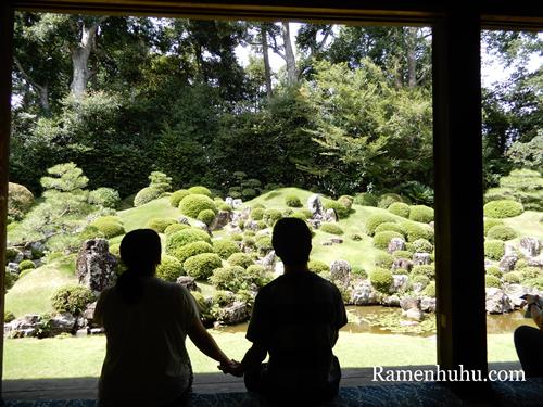 龍潭寺庭園と新米夫婦