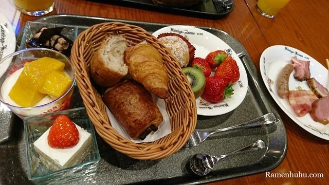 ホテルクローネ 朝食ビュッフェ