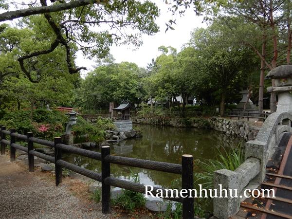 伊弉諾神宮 放生の神池