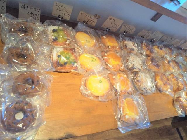 シダ―ローズ 菓子パン2