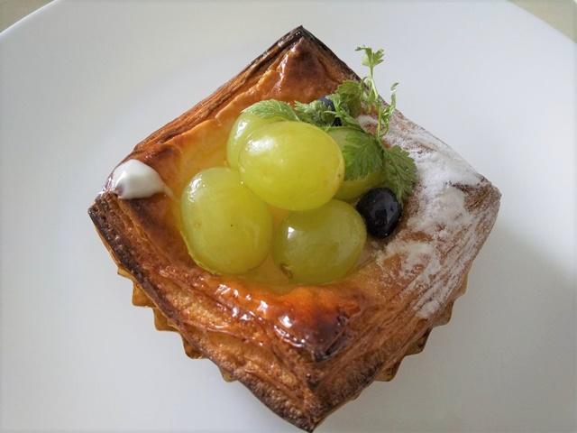 シダ―ローズ ぶどうのデニッシュ