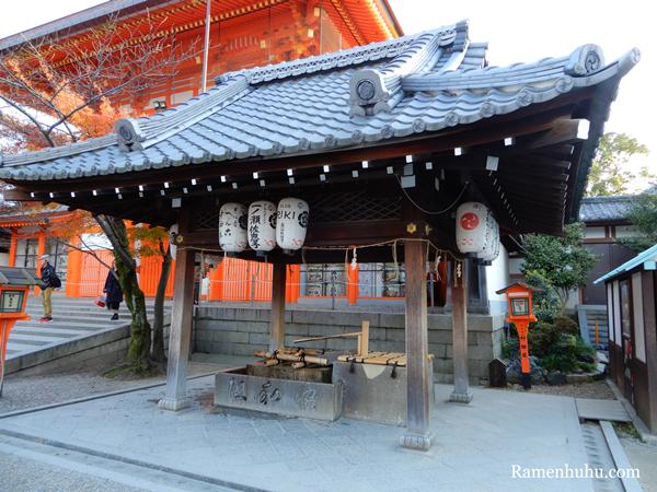 八坂神社の手水舎