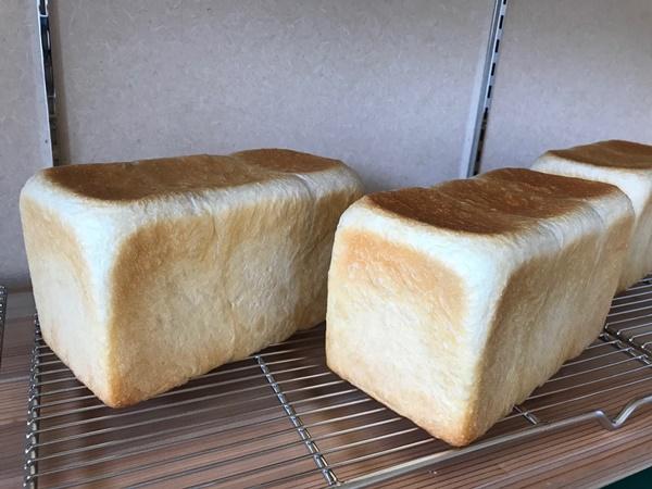 こばとぱん シンプル食パン