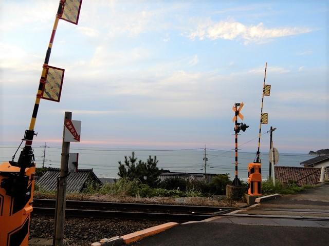 琴ヶ浜と線路