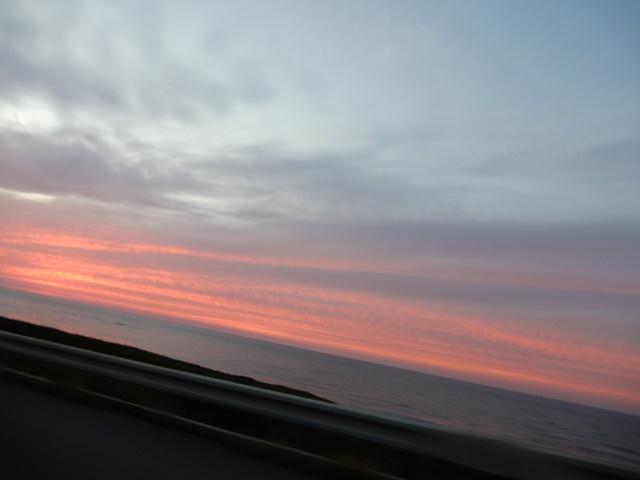 琴ヶ浜と夕日