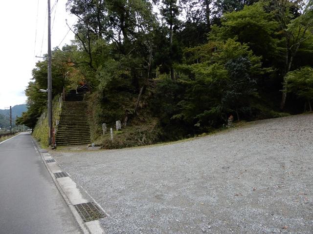 養父神社 駐車場