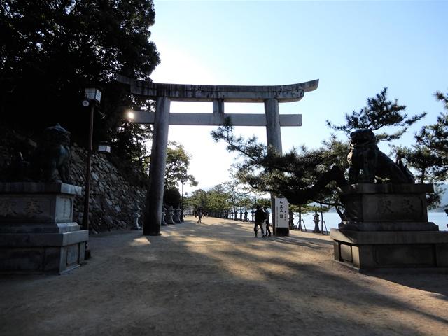 厳島神社 表参道 御笠浜の石鳥居