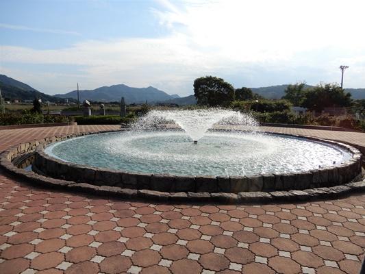 よしうみバラ公園 噴水