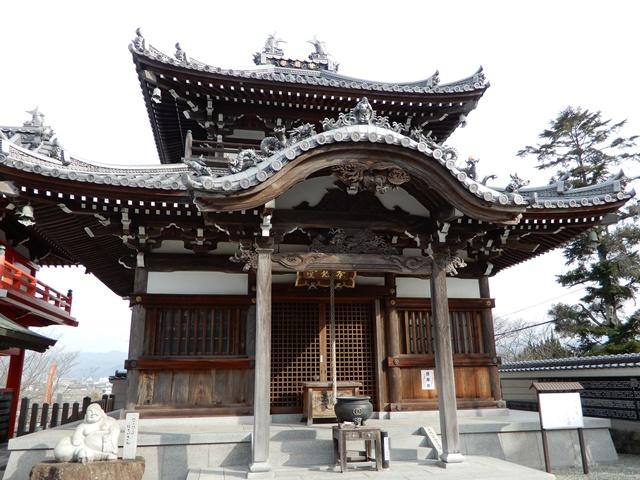 護国寺 本地堂