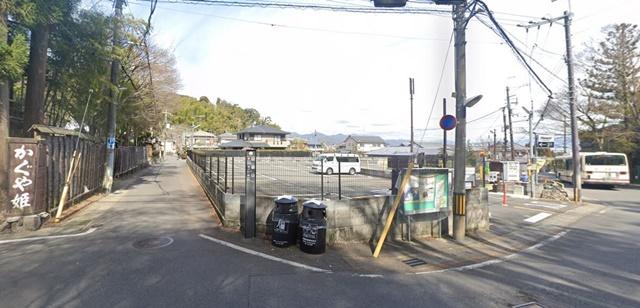 鈴虫寺 駐車場