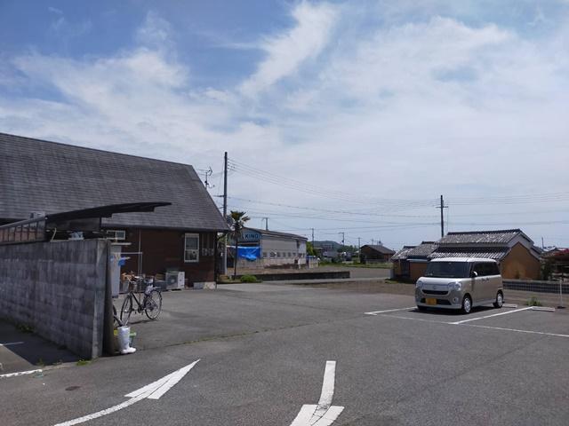 ポニーズカフェ 駐車場